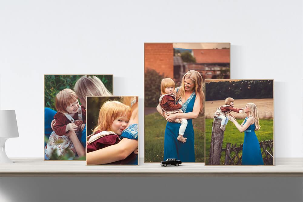 Bilder von einer Familie auf einem Regal